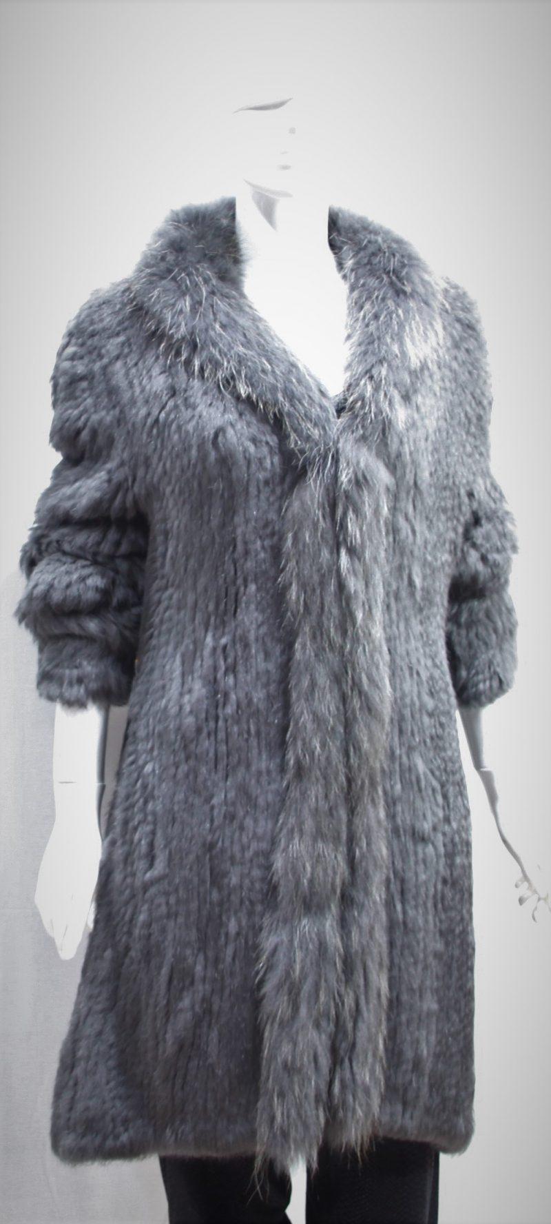 Casaco tricotado de pelo natural de coelho